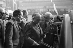 Onthulling van de 2CV op de Salon de Paris 1948