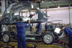 2CV Koetsen in de fabriek